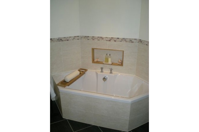Traditional Bathroom Suite   Patterned Wall Tiling  Bathrooms in Aberdeen  Local Bathrooms Companies in Aberdeen. Elegant Bathrooms Aberdeen. Home Design Ideas