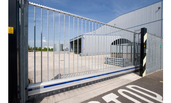 Heras Uk Fencing Systems Gates Fencing And Building Site